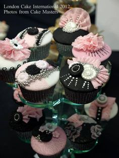 Black and pink cupcakes bridal party