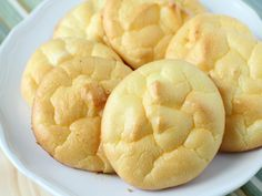 Carb Free Cloud Bread : These are a delicious home-made bread replacement that are practically carb free and very high in protein.
