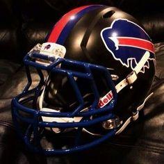 Sweet concept helmet Buffalo Bills Football, Football Tailgate, Custom Football, College Football, Nfl Football Teams, Football Uniforms, Football Memes, Cool Football Helmets, Sports Helmet