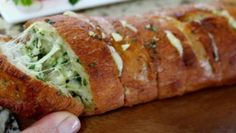 Sněhové tyčinky – RECETIMA Slovak Recipes, Bread Recipes, Cooking Recipes, Easy Appetizer Recipes, Easy Dinner Recipes, Appetizers, Confort Food, Garlic Cheese Bread, Good Food