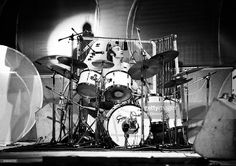 Photo of Phil COLLINS and GENESIS, Phil Collins performing live onstage, playing Gretsch drums Get premium, high resolution news photos at Getty Images Peter Gabriel, Music Pics, Music Images, Banks, Phill Collins, Genesis Band, Gretsch Drums, Vintage Drums, Drumline