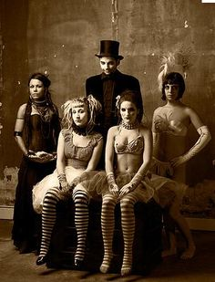 Night circus members