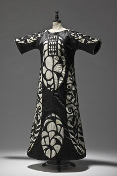 Josef Hoffmann, Ball Gown for Johanna Justine Wittgenstein, 1910.Wiener Werkstätte. Silk, cotton, metal  Around the turn from the 19th to the 20th century, the Wittgenstein family was among Vienna's most important patrons of the arts. Supposedly, Josef Hoffmann created this reform-style ballroom dress for a specific occasion—thinking and working along the lines of the total artwork. From the somewhat coarse finish of the dress it may be concluded that it was intended for a one-time use…