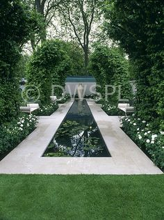 No pool for me but like the look - formal garden + pool…. No pool for me but like the look - Herb Garden Design, Garden Landscape Design, Contemporary Garden Design, Modern Design, Look Formal, Water Garden, Pool Garden, Garden Ponds, Fairy Gardening