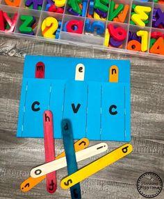 CVC Words Reading Pockets - Flip sticks to make more words. #cvcwords #planningplaytime #kindergarten