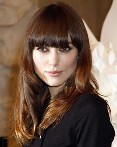 The Hottest Cuts Volume IV Keira Knightley Knightley's long bangs are pure A-lister material: According to hairstylist Chris McMillan of Chris McMillan, The Salon in Beverly Hills, they require weekly trims. But can non-A-listers make them work? Keira Knightley, Keira Christina Knightley, Fringe Hairstyles, Hairstyles With Bangs, London Hair Salon, Haircut For Face Shape, Natural Hair Styles, Long Hair Styles, Long Bangs