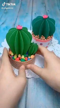 Diy Crafts Hacks, Diy Crafts For Gifts, Creative Crafts, Easy Crafts, Easy Diy, Paper Flowers Craft, Paper Crafts Origami, Paper Crafts For Kids, Diy Paper