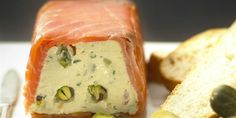 Salmon Terrine Recipes, Smoked Salmon Terrine, Pate Recipes, Fish Recipes, Cooking Recipes, Gourmet Recipes, Meat Appetizers, Appetizer Recipes, Salads