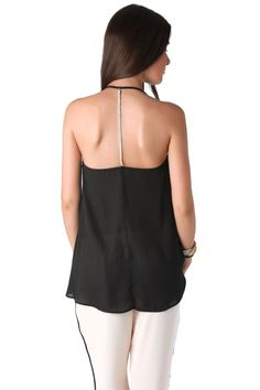 Black cami top with chain detail back - 17,90 € - https://q2shop.com/