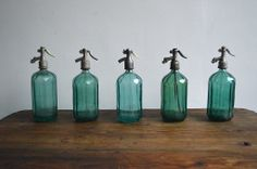 Old siphon bottles (artKRAFT)