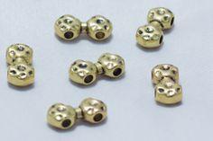 Entrepieza doble machacada en dorado mate: 16x7 mm y agujeros de paso de 2,5 mm - #Beryllos: #abalorios, #cuentas y #fornituras.