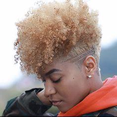 Tapered Haircut Natural Hair, Tapered Haircut For Women, Blonde Natural Hair, Natural Hair Short Cuts, Short Natural Haircuts, Honey Blonde Hair, Natural Hair Styles For Black Women, Natural Hairstyles, Tapered Hairstyles