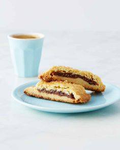 Chewy Fig Bars by Martha Stewart - Millet flour gives these grown-up fig bars the perfect crumbly texture. Baking Recipes, Cookie Recipes, Dessert Recipes, Desserts, Bar Recipes, Dessert Bars, Vegan Recipes, Fig Bars, Pecan Bars