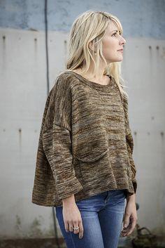 Gather pattern by Belinda Boaden for Fyberspates #beginnersknitting #simpleknits #knitting #simplestyle
