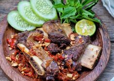 ANEKA RESEP OLAHAN DAGING SAPI SPESIAL YANG PRAKTIS DAN MUDAH - RESEP MANTAN Asian Recipes, Beef Recipes, Asian Foods, Spiced Beef, Indonesian Cuisine, Indonesian Recipes, Chicken Lettuce Wraps, Fun Cooking, Side Dishes