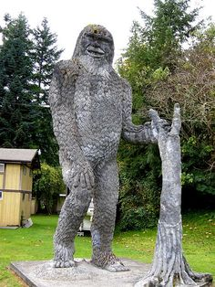 Big foot statue - Silver Lake WA