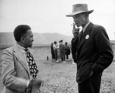 William Laurence (left) and J. Robert Oppenheimer at the Trinity Site in September 1945, as part of a New York Times, J Robert Oppenheimer, First Atomic Bomb, Nuclear Physics, Manhattan Project, Hero Movie, People Of Interest, Physicist, New Mexico