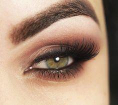 maquiagem com video para tentar, com só uma cor de sombra  makeup with video to try, with just a shade of color