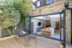 Architect designed Putney Wandsworth kitchen house extension – View from the garden House Extension Design, Glass Extension, Yard Design, Deco Design, Architecture Résidentielle, Positano, Architectural Services, House Extensions, Kitchen Extensions