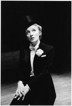 Marlene Dietrichon stage, 1950s, photo by William Claxton.