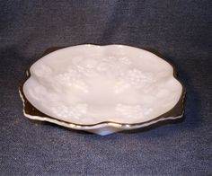 50's Anchor Hocking Fire King White Milk Glass Fruit Bowl Grapes & Gold Trim EUC