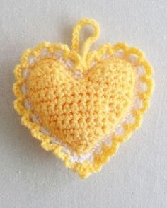 Free Crochet Pattern for Heart Sachet.so cute, one of the prettiest sachet hearts I have seen! Crochet Video, Love Crochet, Crochet Motif, Crochet Flowers, Crochet Stitches, Crochet Hooks, Crochet Patterns, Crochet Hearts, Afghan Patterns
