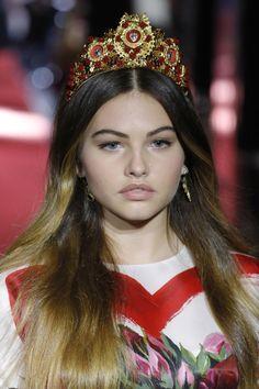 """Thylane Blondeau, la """"plus belle petite fille au monde"""", défile pour D&G à la Fashion Week de Milan"""