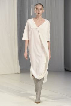 Chalayan Fall 2018 Ready-to-Wear Fashion Show Collection