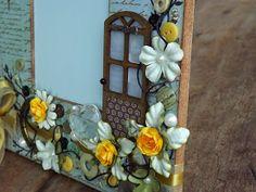 Então pessoal, boa noite. Seguindo com as atualizações aqui no blog, hoje venho compartilhar um Porta Retrato em Scrapbook, lindo demai...