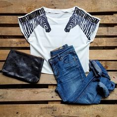 Maglia zebre 30 euro, jeans cheap monday 28 euro, borsa in pelle vintage 30 euro!