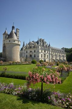 ***Chateau de Chenonceau (Loire Valley, France) by Hiroshi Nakanishi Beautiful Castles, Beautiful Buildings, Places To Travel, Places To See, Travel Destinations, Wonderful Places, Beautiful Places, Places Around The World, Around The Worlds