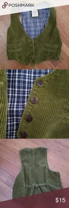 Green corduroy vest Adorable green corduroy Old navy vest Old Navy Tops
