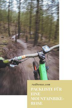 Mal wieder richtig Lust auf eine Mountainbike Tour, aber keine Ahnung, was du einpacken musst oder welche Kleidung angemessen ist? Wir haben dir eine kleine Packliste mit den wichtigsten Must- Haves für deine nächste Mountainbike-Reise zusammengestellt! Egal ob in den Alpen, im Harz oder am Gardasee, mit dieser Liste sind du und dein Fahrrad in jeder Situation perfekt ausgerüstet!