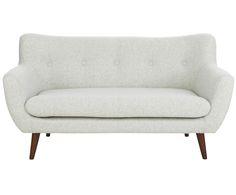Was gibt es am Feierabend Schöneres als sich mit einer Decke entspannt aufs Sofa zu fläzen? Das Sofa TONY vereint Komfort und Stil gekonnt miteinander. In dezentem Hellgrau gehalten, fügt sich TONY in jedes Zuhause ein und die braunen Holzbeine geben dem Sofa einen angesagten Touch Retro. Ein Must-have für jedermann!