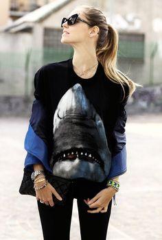 Street style - Shark shirt