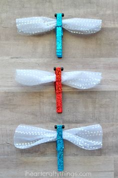 This sparkly clothespin dragonfly craft is great for an insect craft, summer kids craft, spring kids craft, bug crafts for kids and dragonfly kids craft. K Crafts, Insect Crafts, Clothespin Crafts, Preschool Crafts, Spring Crafts For Kids, Summer Kids, Clothespins, Dragon Fly Craft, Bug Art