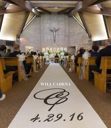 A monogram wedding aisle runner that fits the couple's style #aislerunners, #weddingaislerunners