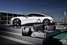 """""""Incrocio di classe"""". #LuisVitton firma un set di valige in fibra di carbonio per #BmwI8."""
