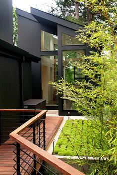 contemporary entry by Giulietti Schouten Architects