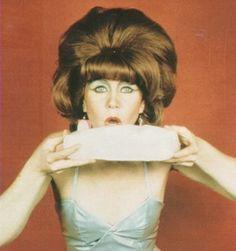 Kate Pierson + cake