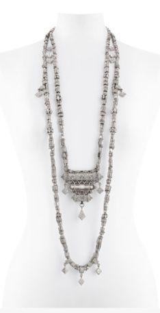 Chanel Dubai, Chanel Cruise, Costume Jewelry, Arrow Necklace, Chain, Silhouettes, Accessories, Spring, Board