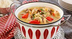 Hverdagsgryte med strimlet svinekjøtt Thai Red Curry, Food And Drink, Ethnic Recipes, Red Peppers