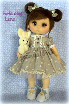 tutorial en mi canal manualilolis Girls Dresses, Flower Girl Dresses, Teddy Bear, Dolls, Wedding Dresses, Manual, Fashion, Tela, Doll