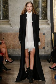 Emilio Pucci - Fall 2015 Ready-to-Wear - Look 44 of 62 Making it high and low, a black and white story tale...