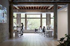 White floor VSCO Oakland Office Design Pictures