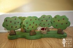 DIY wooden apple orchard tutorial - trees can stand on their own or you can make a base (to give extra stability on carpet).
