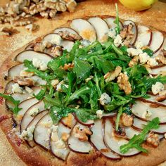 Pear, Gorganzola and Arugula Pizza.