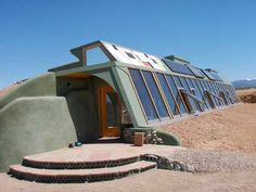 earthship! would love to stay in one in New Mexico/Arizona..