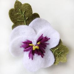 Pansy Brooches Hand Embroidered Felt Pansy Brooch Available image 4 Felt Crafts Diy, Felt Diy, Sewing Crafts, Felt Flowers, Fabric Flowers, Fleurs Diy, Felt Brooch, Brooch Pin, Felt Christmas Ornaments