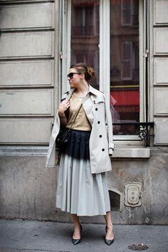 The Sartorialist: At Dries Van Noten, Paris Dip Dye Skirts, Photoshoot Inspiration, Style Inspiration, Black Ombre, Sartorialist, Business Fashion, Well Dressed, World Of Fashion, Street Wear